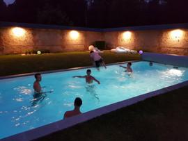 Pool party nuit d'été