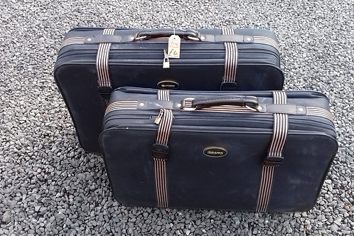 914. Matching Suitcases