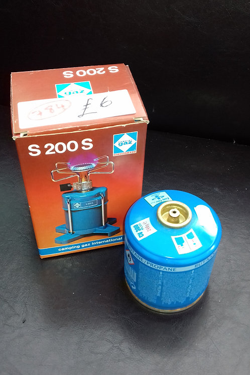 784. Camping Stove and Gas Refill. Brand new