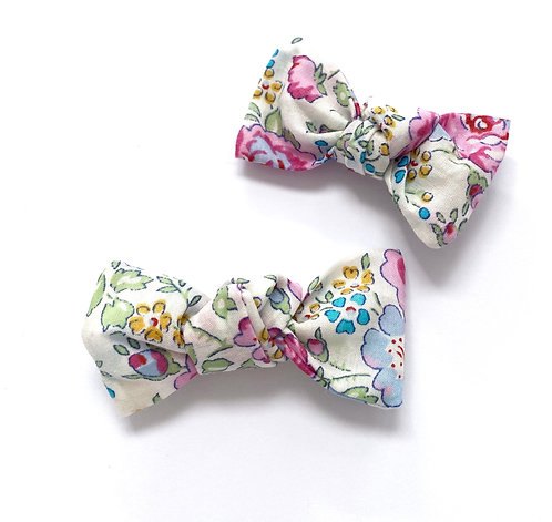 CLEO Bows