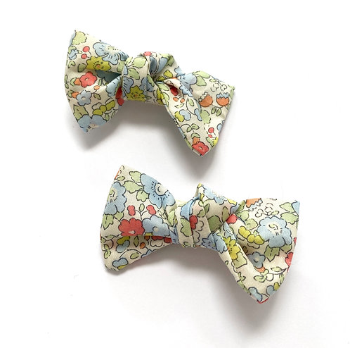 BETSY (Pale Blue) Bows