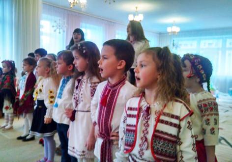 Різдвяне дійство для дітей-переселенців