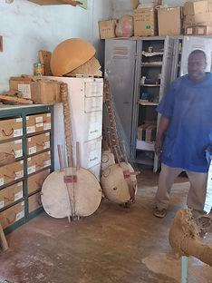 Keur Moussa luthier de Kora.jpg