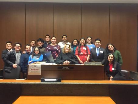Alumnos y profesores de la Facultad de Derecho visitan Chicago para observar la práctica jurídica