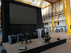 Installation d'une scène pour un discours par LDV vision & réception