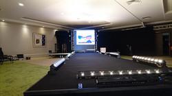 Installation d'une scène pour un défilé dans le Loiret par LDV vision & réception
