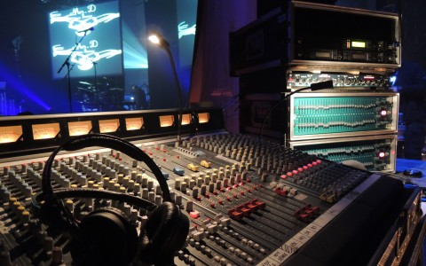 LDV vision & reception prestation de sonorisationtable de mixage