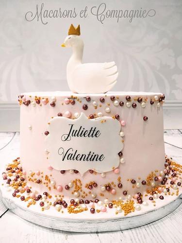 Un joli gâteau sur le thème du cygne pou