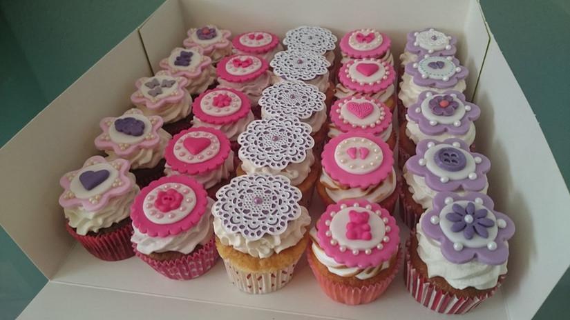 cupcakes baby shower.jpg