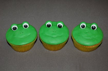 cupcakes grenouilles.jpg