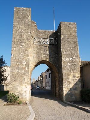 Sauveterre entry gate