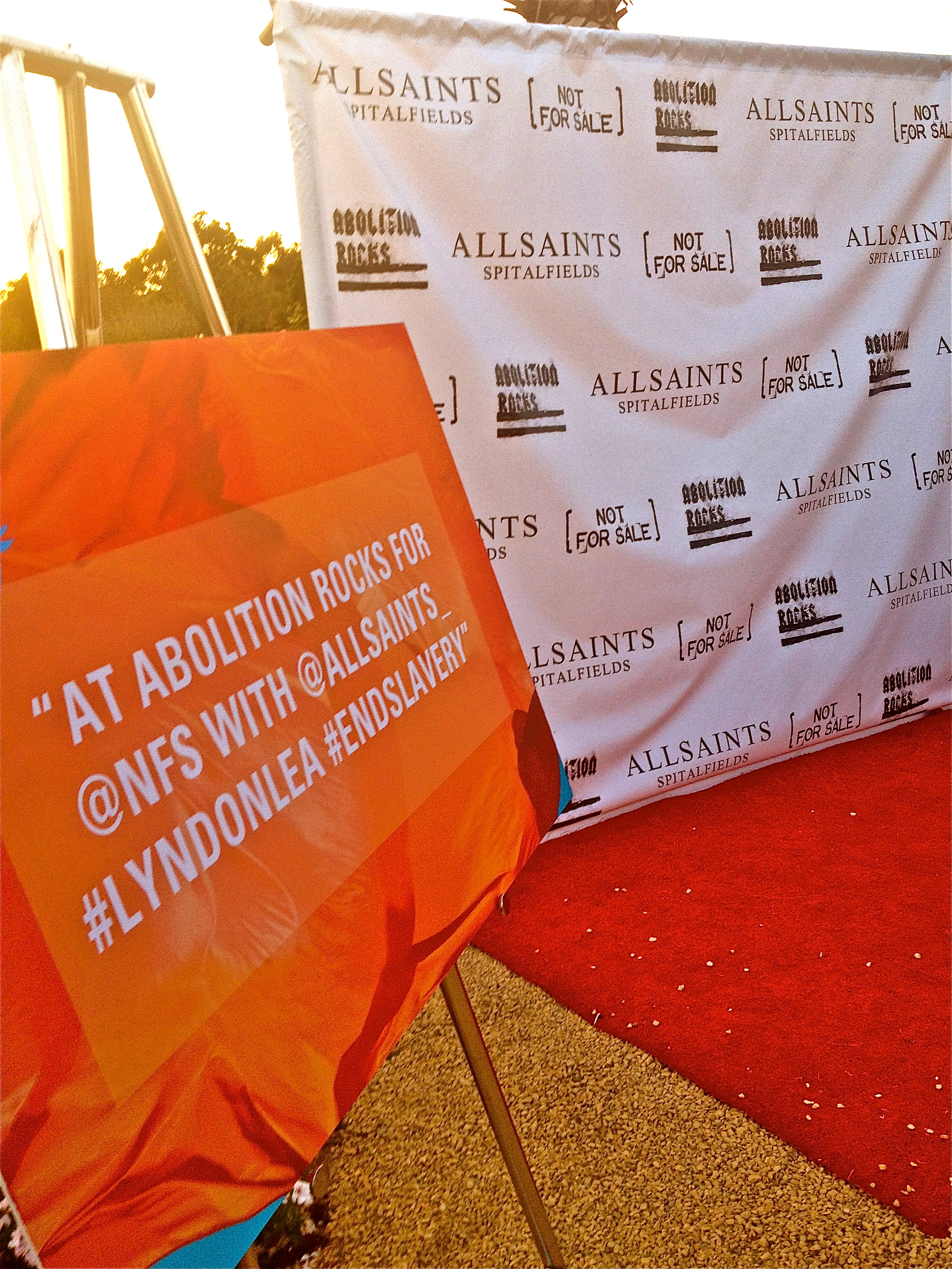 Red Carpet and Twitter Sign
