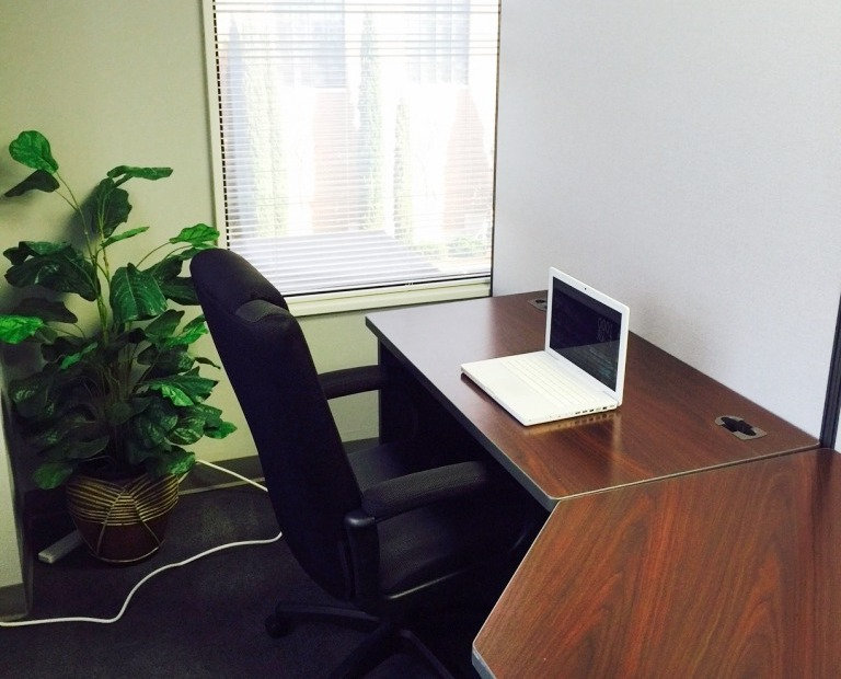 *BOOKED* Cubicle Space