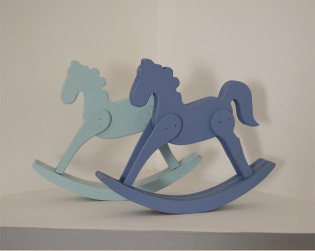 סוסי נדנדה מעץ