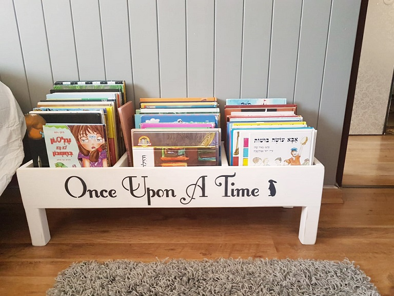 """כוננית ספרים ברוחב 90 ס""""מ"""