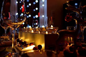 christmas-light-bulbs-table