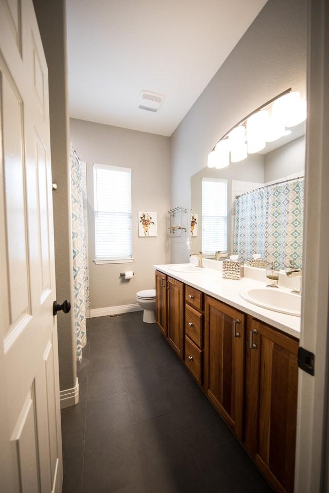 white rustic bathroom, wooden furniture