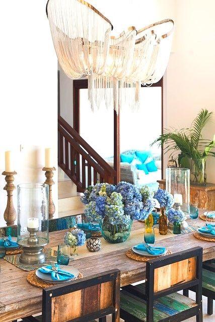 ethnic-style-decoration-christmas-table-colours-blue-white