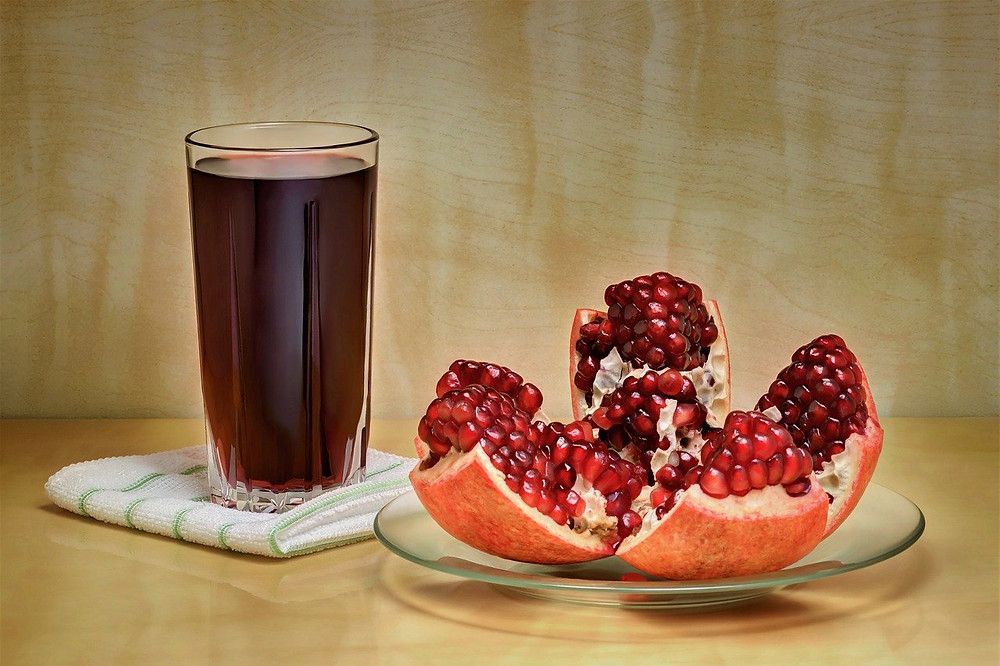 pomegranate-fresh-juice-red-easy-recipe-diy
