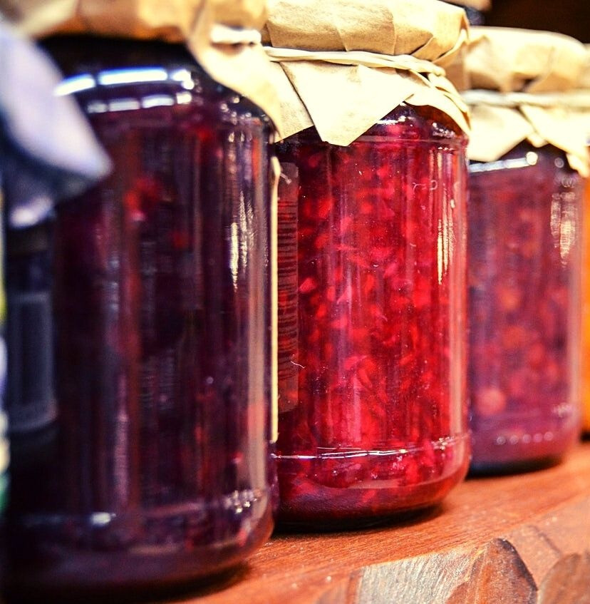 pomegranate-jar-red-marmalade-tasty-diy