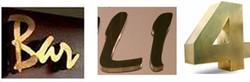 Letreiros em Latão
