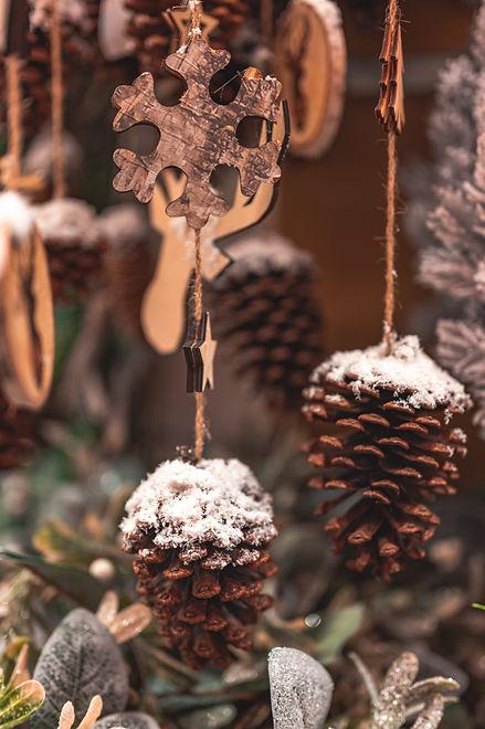 Pine cone and star christmas decor   Kringles