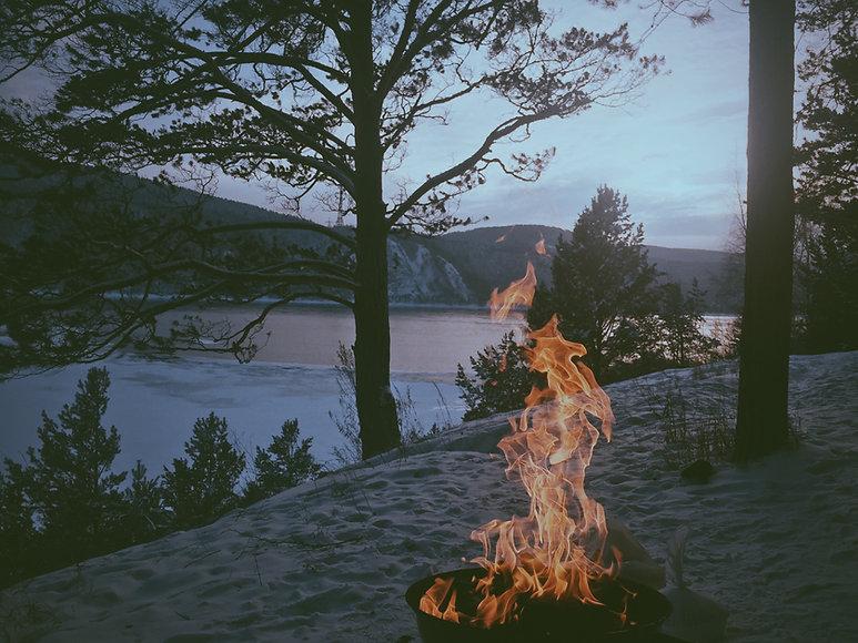 砂でかがり火