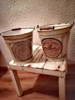 Vintage kovové kbelíky