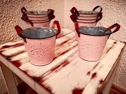 Vintage růžové nádobky