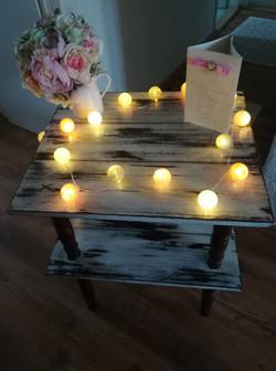 Obřadní stoleček