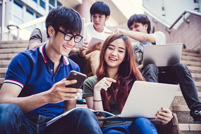 shutterstock_group_of_teenagers.jpg