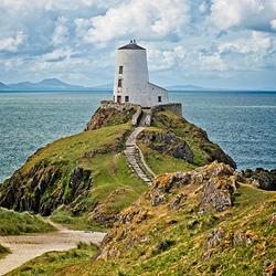 Tŵr Mawr Lighthouse on Ynys Llanddwyn