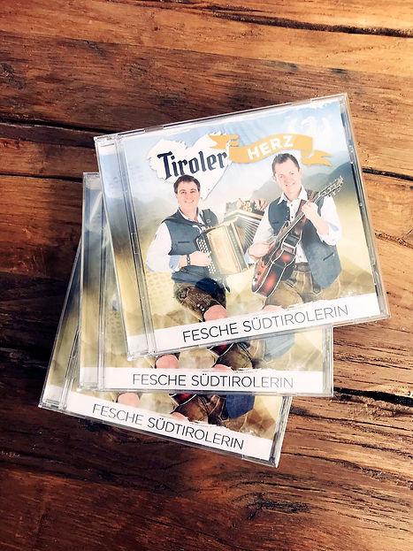 tiroler-herz-musik-band-aus-suedtirol-pa