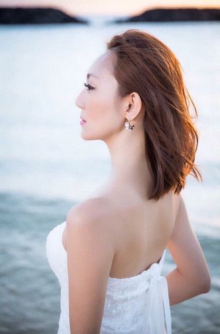 Model Aya