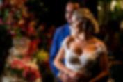 Casamento-colorido-Karol-Fernando-noivos