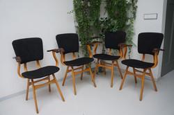 4 vintage stoelen met armleuning