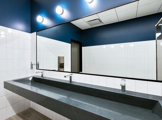 15 - Restroom.jpg