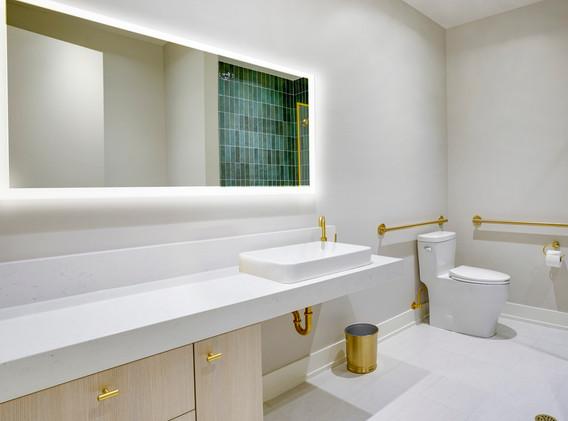 E9GolfClub- Restroom.jpg
