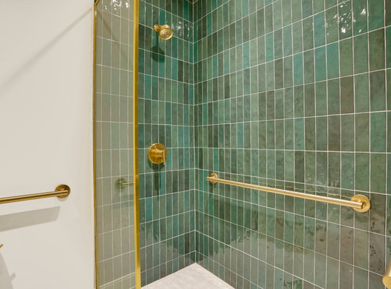 E9GolfClub- Shower.jpg