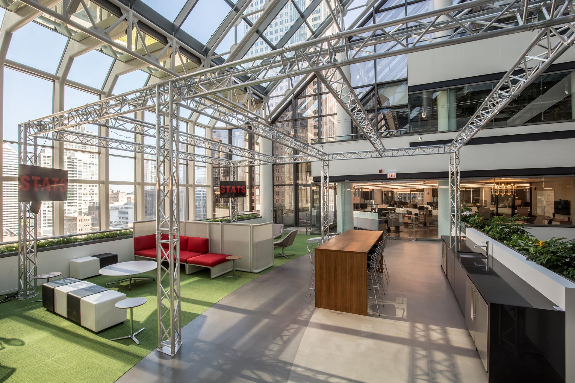07 Atrium Lounge.jpg