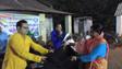 ডুকি তৃণমূল কংগ্রেস ও জয় মা কালী ক্লাবের উদ্যোগে ১০০ দুঃস্থ পরিবারের হাতে শীতবস্ত্র প্রদান করা হল