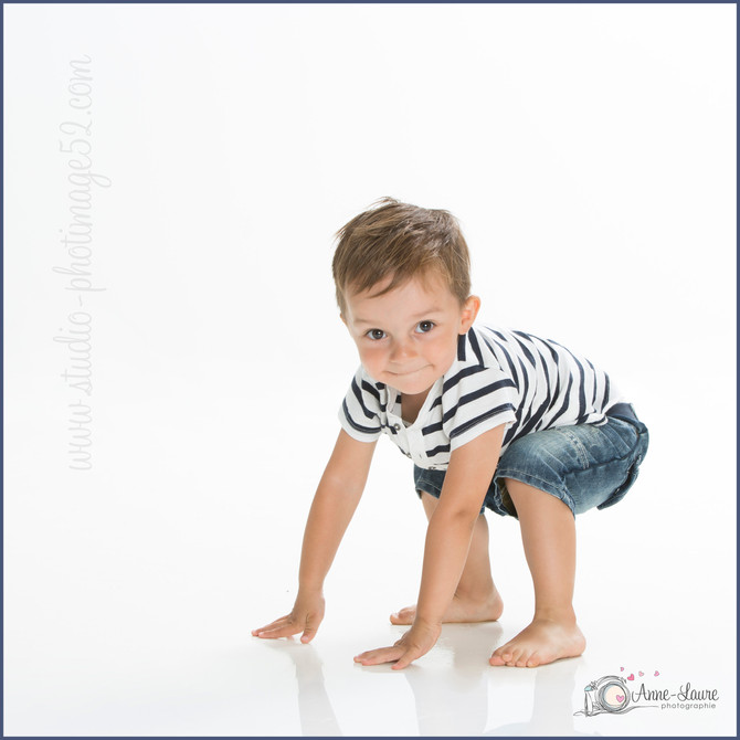 Portrait Enfant Noa 2 ans -  Studio photo Saint-Dizier