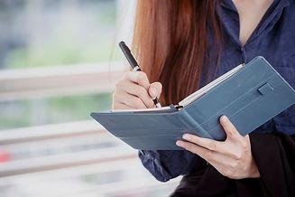 agenda-du-planificateur-femme-planifier-