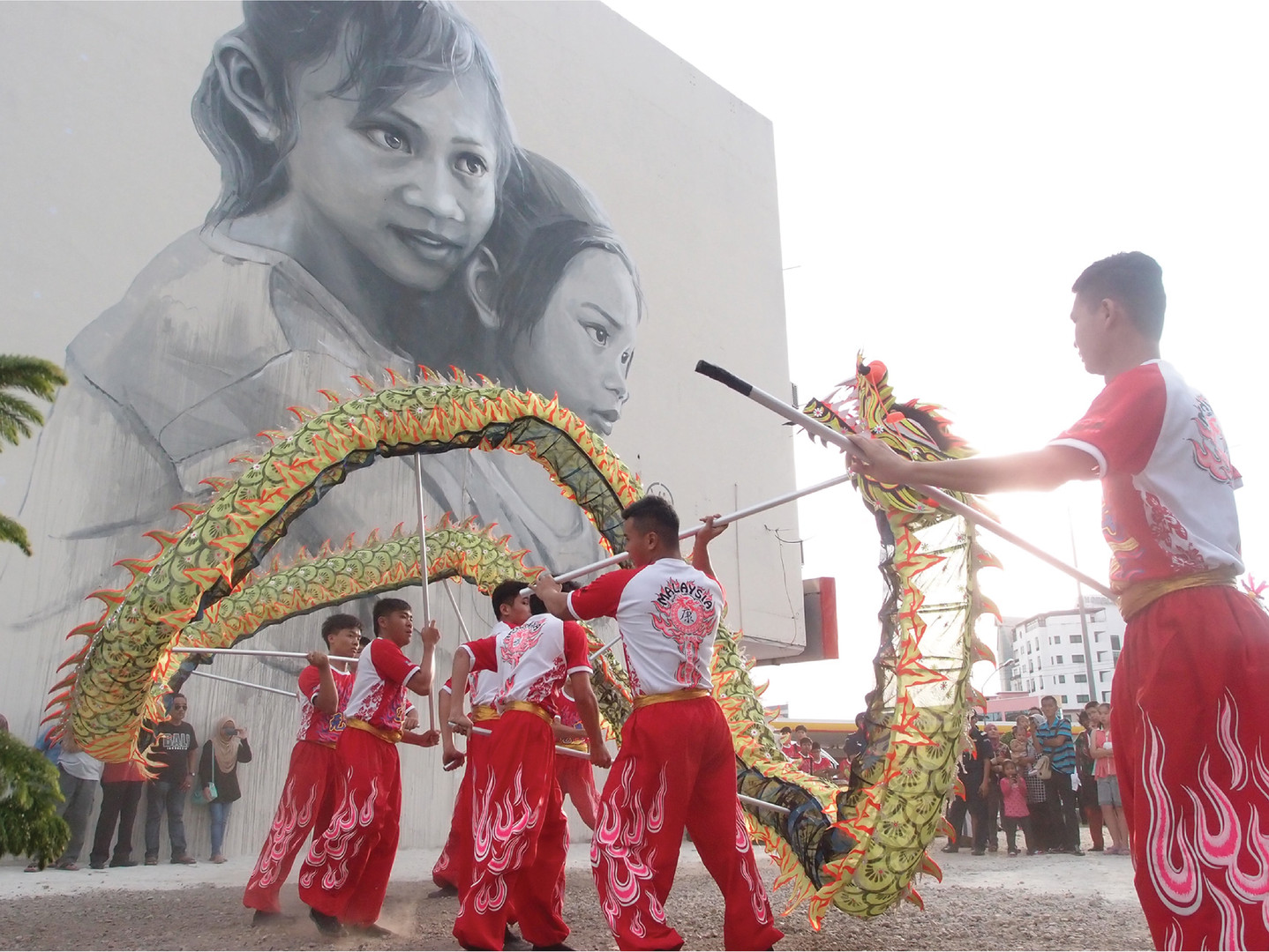 """Sponser The Biggest Potrait Mural in Malaysia — """"The Loving Sisters"""" 2016"""
