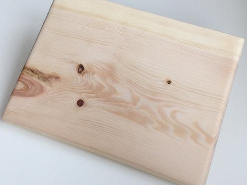 Schneid- und Jausenbretter aus luftgetrocknetem Zirbenholz