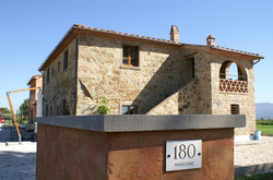 luxury tuscany villas