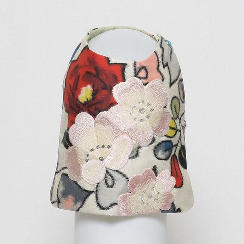 Meisen silk vest with three pink embroidered flowers