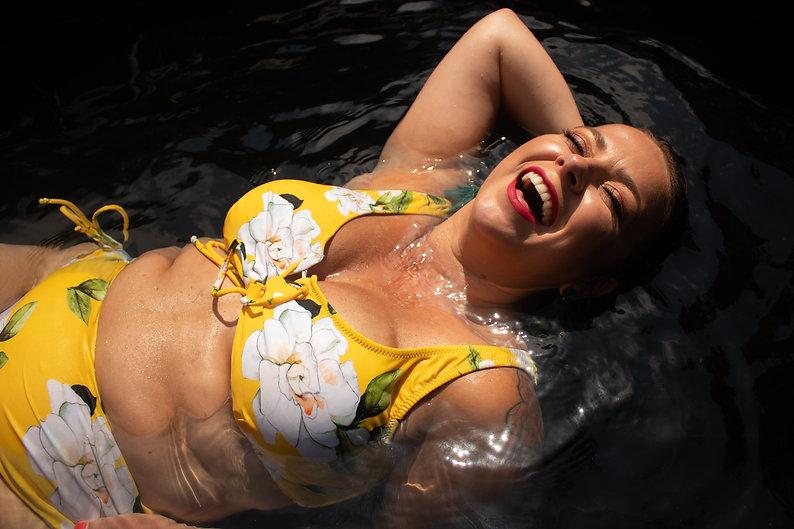 Kayla pool shoot-6083.JPG