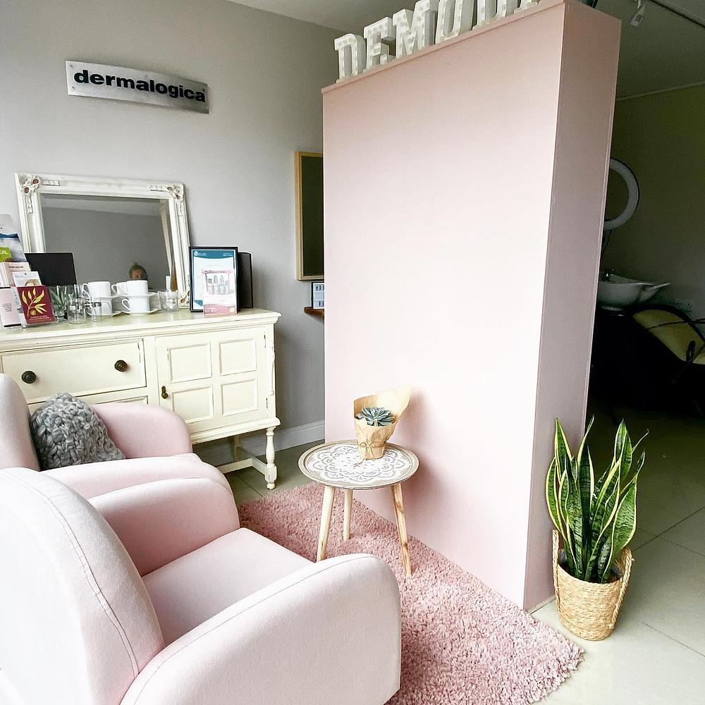 interior design of demoda organic hair & beauty salon redruth