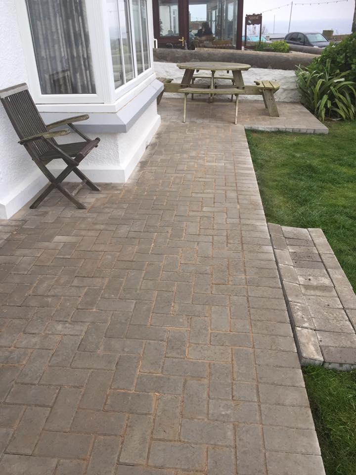 block paving pathway